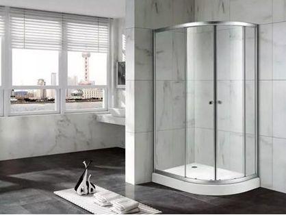 《淋浴房玻璃》国家标准7月1日起实施,着眼解决玻璃破损溅射对使用者的伤害南康